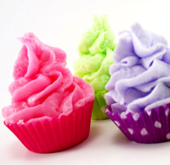 Mini Cupcake Bath Fizzy with Whipped Soap Frosting Set of 30 Individually Wrapped (Vegan Friendly)  Complimentary Shipping