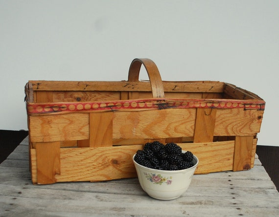 Vintage Strawberry Basket Woven Wood Farmers Market  Sturdy Berry Basket