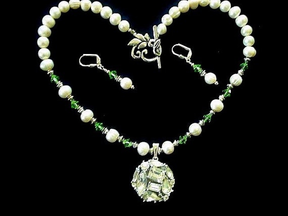 Freshwater Pearls Swarovski Peridot Crystal Beaded Jeweled Pendant