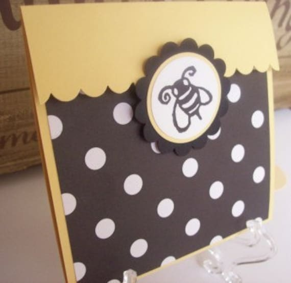 Bee Invitation, Bumble Bee Invitation perfect for Birthday or Baby Shower - set of 8