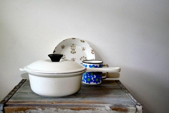 Vintage Le Creuset Enameled Cast Iron Sauce Pot Pan - White on White - 1.25 Quart