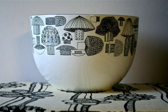 Arabia Finel Finland Kaj Franck Enamelware Bowl Mushrooms Vintage SALE