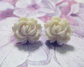 Cream Vintage Style Rose Stud Earrings