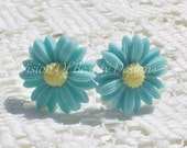 Spring Time Aqua Daisy Clip On Earrings