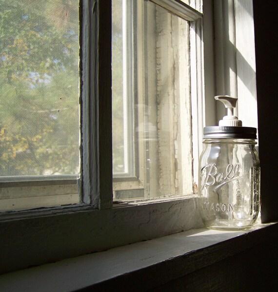 Best Performance Lid on a Clear Mason Jar Soap Dispenser