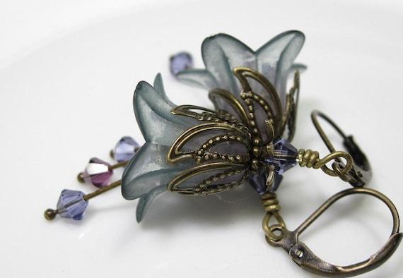 Flower Earrings, Vintage Style Flower Earrings, Vintage Style Jewelry, Lavender, Blue, Antiqued Brass, Swarovski, Lucite