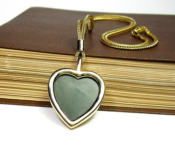 Vintage 1970's Forest Green Gold Tone Heart Pendant Necklace, Retro Styles and Fashion, Romantic Gifts of Love, Valentines Day