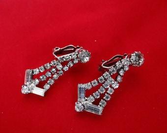 Vintage art deco rhinestone dangle earrings in great condition