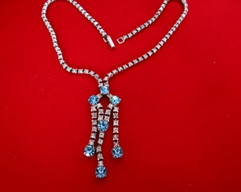 Beautiful clear and blue rhinestone necklace in great condition