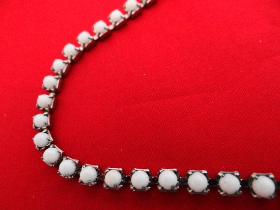 "Vintage 14.5"" white milk glass rhinestone necklace  in great condition"