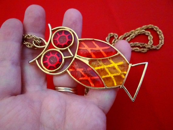 """Adorable orange yellow and red 3"""" owl on gold 29"""" necklace  in great condition"""