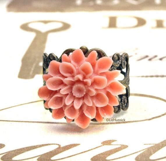 Light Coral Chrysanthemum Ring