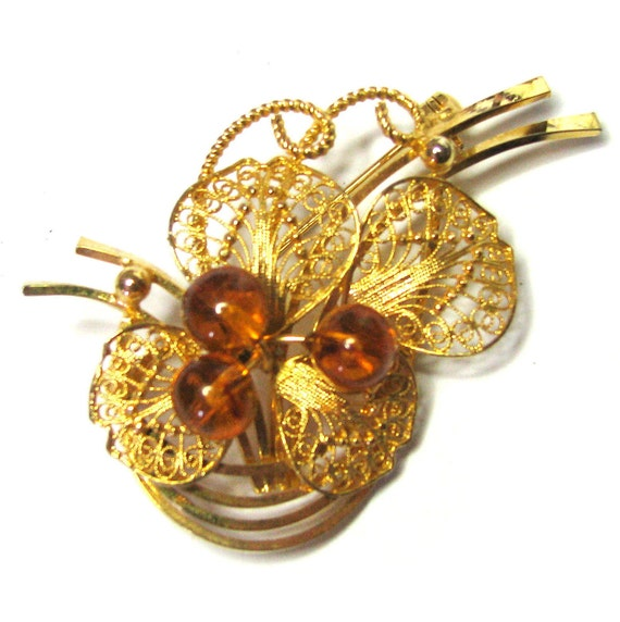 Vintage 50s Flower Brooch . Filigree Brooch . Gold Brooch . Lucite Brooch . 50s Brooch . (Free Shipping USA) . Bree's Vintage