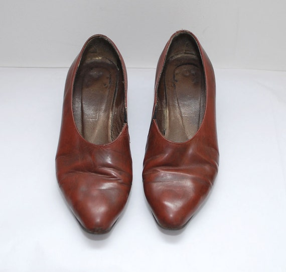 SALE.....80s brown leather pointy PIXIE elf shoes - us 6.5 uk 3.5 eur 36.5