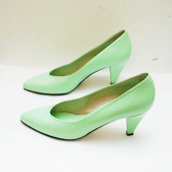 80s creamy MINT leather pumps by Jacques Vert - us 6.5 eur 37 uk 4