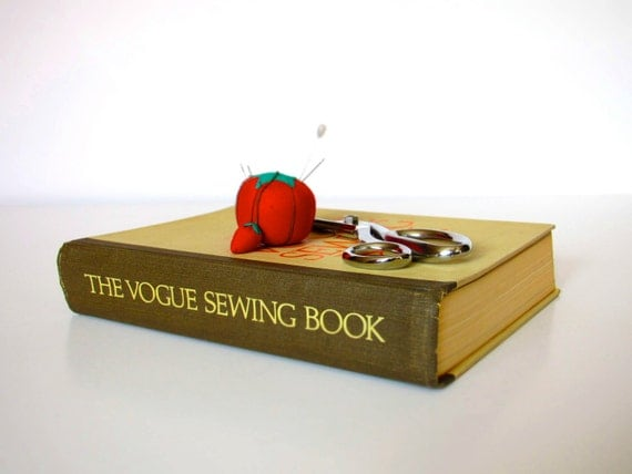 Vintage 1975 The Vogue Sewing Book