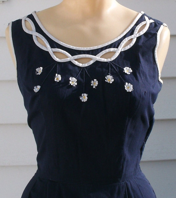 Vintage 1950s Dress Navy Daisies Circle Skirt XS 2 4 Garden Party