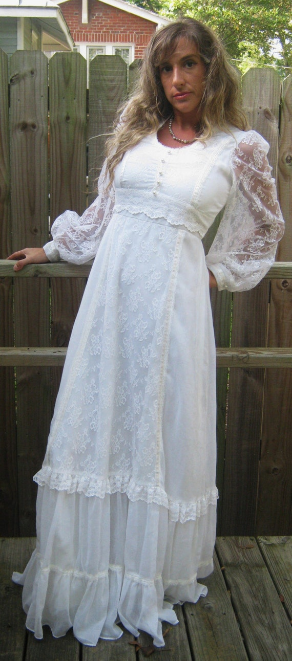 Sale vintage 1970s gunne sax white cotton lace pearl button for 1970s wedding dresses for sale
