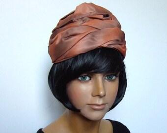 Vintage Turban Hat 1960s Head Piece Gathered Fashion Turban Two Tone