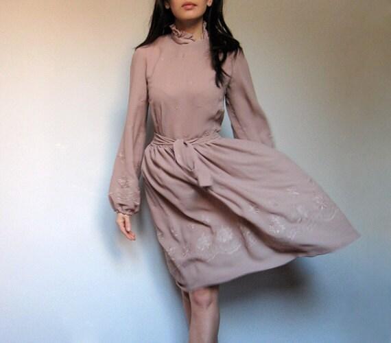 Vintage Beige Dress Sheer Eyelet Spring Fashion L