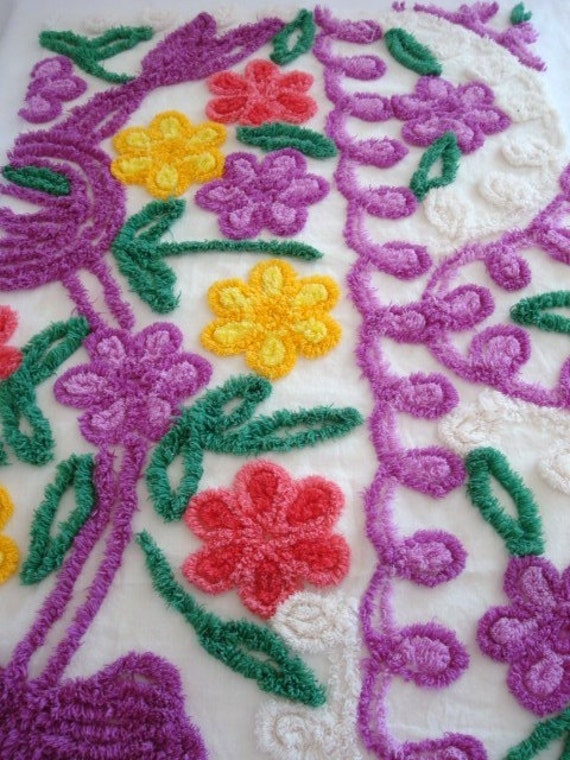 SUPER PLUSH 30X20  Purple Pink Yellow Daisy Flowers and White Curlyque Vintage Chenille Bedspread Fabric Delightful Eye Candy