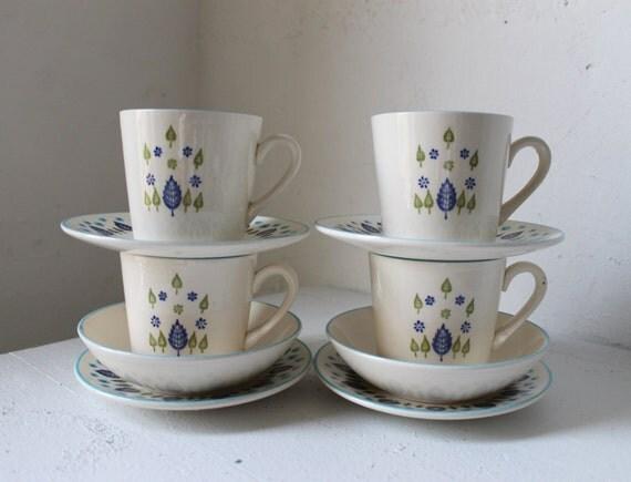 Marcrest Swiss Alpine Dish Set - 4 coffee mugs - 4 saucers - 2 small bowls - Swiss Chalet Marcrest Stetson 1950s retro kitchen tea set