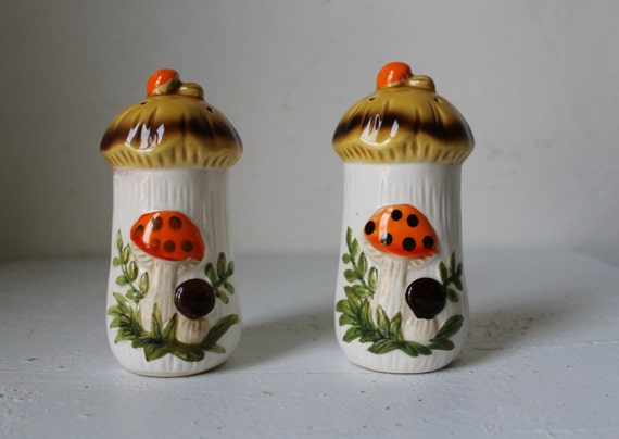 Merry Mushroom Salt and Pepper Shakers - Vintage Sears and Roebuck 1977
