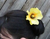 POPPY Love - yellows  customizable on bobby pin, barrette, comb or alligator clip