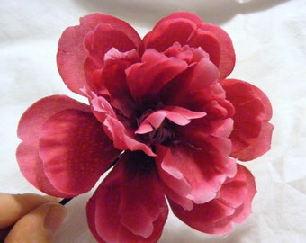 PEONY - fuchsia, white tipped - customizable on bobby pin, barrette, comb or alligator clip