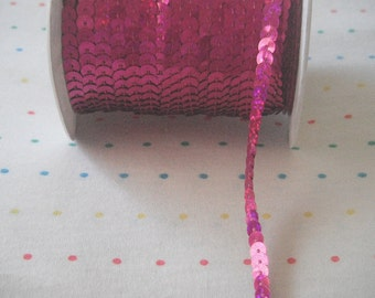 Hot Pink Sequin Trim, 6 mm - 5 Yards