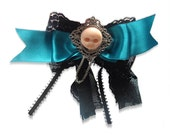 Teal Death  hairbow\/comb