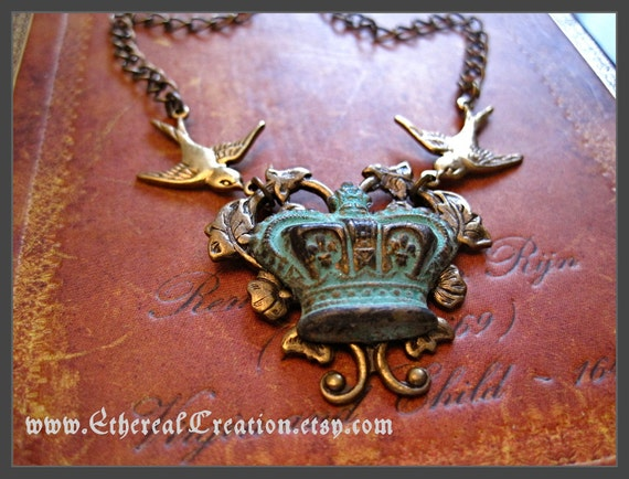 Ethereal Crown Necklace