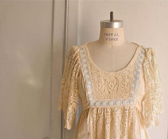70s edwardian prairie wedding dress . lace gown