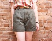 80s High Waisted Shorts - Olive Green Pleated Shorts with Pockets - S/M