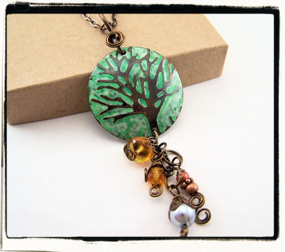 022 Green Distressed Hand Painted Tree of Life Pendant no Chain