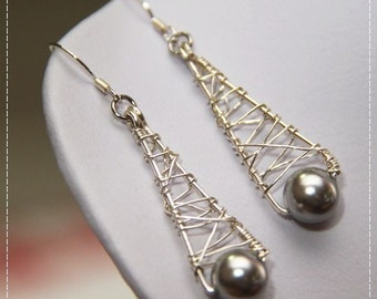 Paris - The Eiffel Tower (Choose your preferred color of Swarovski Elements crystal pearls or stones)