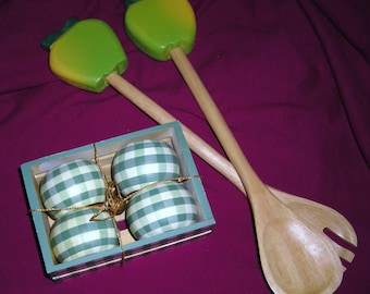 Green Apple Salad / Two Piece Salad Toss  Utensils / Four Green and White Napkin Rings  / AB2