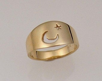 Moon and star 14k gold Men's ring