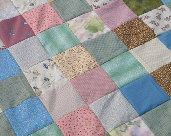 Quilts, Farmhouse Patchwork bed quilt, Quilt Queen, 93 X 93, beach pastels, cotton bedding, retro vintage look, cotton blanket, traditional