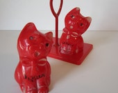 Kitschy Vintage Plastic Cat Salt and Pepper Shaker Set