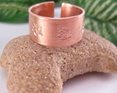Pet  Paws  Trail Copper Cuff Ring.  Size 8  Free shipping to US locations, reduced rates  to all other countries.