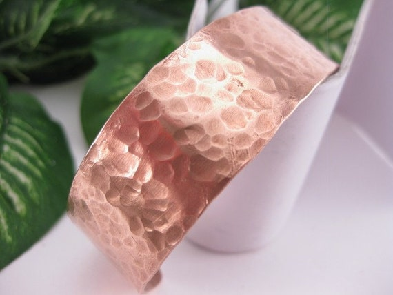 Made To Fit You Hammered Copper Cuff. Free shipping to US locations, reduced rates  to all other countries.