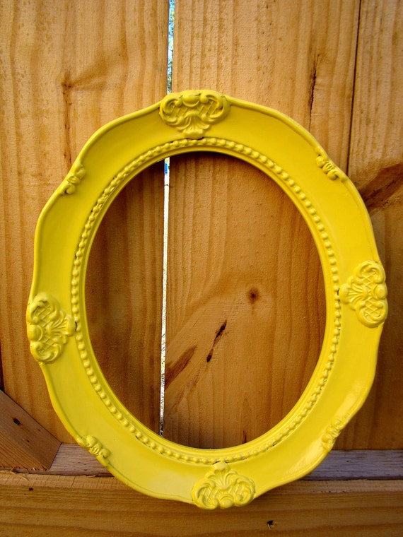 Sunny Yellow Vintage Style Ornate Oval Picture Frame 8X10