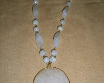 vintage costume jewelry    / necklace