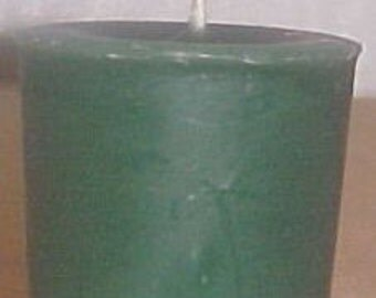Green Clover and Aloe Scented Votive Candle