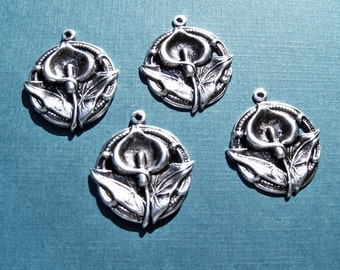 Calla Lily Victorian charm in antique silver  Item 1813