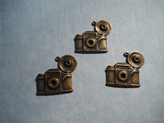 Old Time Camera charm findings in antique brass 2 charms Item 1729