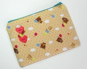 Fly away bear pouch