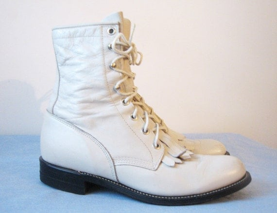 VTG Pearly Iridescent White Leather Lace Up Boot 7 Womens