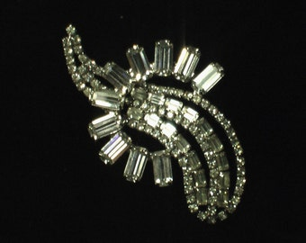 50s 60s Rhinestone Brooch pin vintage prom glam hollywood cocktail avant garde art 40s 30s